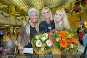 Model contest - Kaufpark Alt-Erlaa - Fr 28.02.2014 - die ersten 3 Pl�tze, Mitte: Siegerin Katja KIESLING200