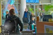 Ottfried Fischer isst Sushi - Lugner City - Fr 14.03.2014 - Ottfried FISCHER1