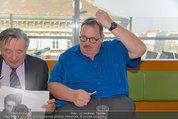 Ottfried Fischer isst Sushi - Lugner City - Fr 14.03.2014 - Ottfried FISCHER, Richard LUGNER12