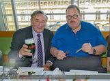 Ottfried Fischer isst Sushi - Lugner City - Fr 14.03.2014 - Ottfried FISCHER, Richard LUGNER15