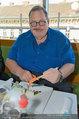 Ottfried Fischer isst Sushi - Lugner City - Fr 14.03.2014 - Ottfried FISCHER17