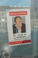 Ottfried Fischer isst Sushi - Lugner City - Fr 14.03.2014 - Werbeplakat18