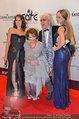 Filmball Vienna - red carpet - Rathaus - Fr 14.03.2014 - Reinhold und Beatrice BILGERI, Tochter Laura, Claudia CARDINALE10