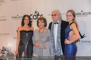 Filmball Vienna - red carpet - Rathaus - Fr 14.03.2014 - Reinhold und Beatrice BILGERI, Tochter Laura, Claudia CARDINALE8