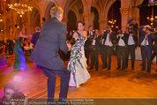 Filmball Vienna - das Fest - Rathaus - Fr 14.03.2014 - Albert FORTELL tanzt mit Barbara WUSSOW vor Fotografen115
