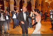 Filmball Vienna - das Fest - Rathaus - Fr 14.03.2014 - Albert FORTELL tanzt mit Barbara WUSSOW vor Fotografen116