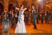 Filmball Vienna - das Fest - Rathaus - Fr 14.03.2014 - Albert FORTELL tanzt mit Barbara WUSSOW vor Fotografen122