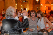 Filmball Vienna - das Fest - Rathaus - Fr 14.03.2014 - Reinhold BILGERI fotografiert Claudia CARDINALE178