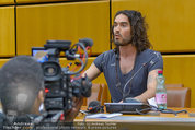Russell Brand Vortrag - UNO City - Di 18.03.2014 - Russell BRAND17