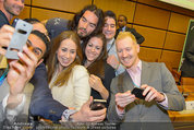 Russell Brand Vortrag - UNO City - Di 18.03.2014 - Selfie mit Russell BRAND36