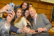 Russell Brand Vortrag - UNO City - Di 18.03.2014 - Selfie mit Russell BRAND37