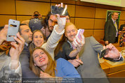 Russell Brand Vortrag - UNO City - Di 18.03.2014 - Selfie mit Russell BRAND38