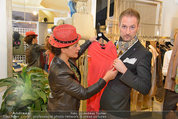 Late Night Shopping - Mondrean Store - Mo 24.03.2014 - Atousa MASTAN, Matthias URISK10