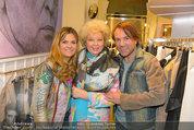 Late Night Shopping - Mondrean Store - Mo 24.03.2014 - Birgit SARATA, Andrea BOCAN, Uwe KR�GER111