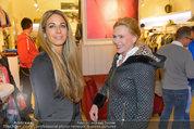 Late Night Shopping - Mondrean Store - Mo 24.03.2014 - Yvonne RUEFF, Eva WEGROSTEK64