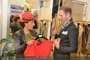 Late Night Shopping - Mondrean Store - Mo 24.03.2014 - Atousa MASTAN, Matthias URISK9
