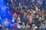 ATV Wien Tag & Nacht Party - LVL7 - Fr 28.03.2014 - WTN-Cast mitten in Fans71