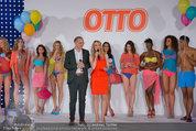 Otto Sommer Modenschau - Sofiensäle - Mo 31.03.2014 - Gruppenfoto Harald GUTSCHI, Silvia SCHNEIDER mit Models190