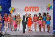 Otto Sommer Modenschau - Sofiensäle - Mo 31.03.2014 - Gruppenfoto Harald GUTSCHI, Silvia SCHNEIDER mit Models191