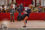 Dancer against Cancer - Hofburg - Sa 05.04.2014 - Baller�ffnung Gregor HATALA, Yvonne RUEFF101