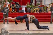 Dancer against Cancer - Hofburg - Sa 05.04.2014 - Baller�ffnung Gregor HATALA, Yvonne RUEFF105