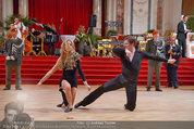 Dancer against Cancer - Hofburg - Sa 05.04.2014 - Baller�ffnung Gregor HATALA, Yvonne RUEFF106