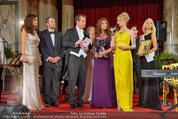 Dancer against Cancer - Hofburg - Sa 05.04.2014 - Awardverleihung an Kelly LEBROCK157