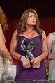 Dancer against Cancer - Hofburg - Sa 05.04.2014 - Kelly LEBROCK mit DAC-Award169