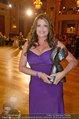 Dancer against Cancer - Hofburg - Sa 05.04.2014 - Kelly LEBROCK mit DAC-Award171