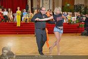 Dancer against Cancer - Hofburg - Sa 05.04.2014 - Ferdinand FISCHER267