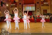 Dancer against Cancer - Hofburg - Sa 05.04.2014 - Schwanensee Ballett340
