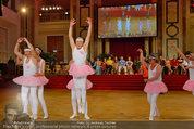 Dancer against Cancer - Hofburg - Sa 05.04.2014 - Schwanensee Ballett341