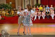 Dancer against Cancer - Hofburg - Sa 05.04.2014 - Verena PFL�GER, Amina DAGI348