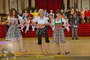 Dancer against Cancer - Hofburg - Sa 05.04.2014 - Verena PFL�GER, Amina DAGI, Marion FINGER350