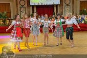Dancer against Cancer - Hofburg - Sa 05.04.2014 - Verena PFL�GER, Amina DAGI, Marin FINGER353