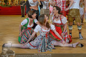 Dancer against Cancer - Hofburg - Sa 05.04.2014 - Amina DAGI, Marin FINGER, Atousa MASTAN358