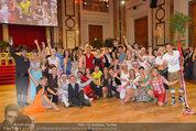 Dancer against Cancer - Hofburg - Sa 05.04.2014 - Gruppenfoto Jury und Tanzpaare370
