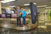 Presseshooting - Flughafen Wien - Di 08.04.2014 - Manfred BAUMANN, Andrea H�NDLER1
