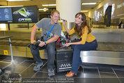 Presseshooting - Flughafen Wien - Di 08.04.2014 - Manfred und Nelly BAUMANN17