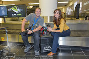 Presseshooting - Flughafen Wien - Di 08.04.2014 - Manfred und Nelly BAUMANN5