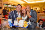 10 Jahresfeier - Burger King - Di 08.04.2014 - Christina LUGNER1