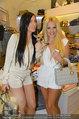 Late Night Shopping - Mondrean - Mi 23.04.2014 - Tara TABHITA mit Freundin Djana und Hund Malu30