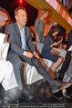 Dancing Stars - ORF - Fr 25.04.2014 - Erik SCHINEGGER zeigt seinen l�dierten Fuss4