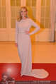 Romy Gala - red carpet - Hofburg - Sa 26.04.2014 - Helene FISCHER109