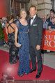 Romy Gala - red carpet - Hofburg - Sa 26.04.2014 - Alexander WURZ mit Begleitung43
