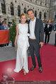 Romy Gala - red carpet - Hofburg - Sa 26.04.2014 - Franziska WEISZ47