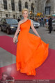 Romy Gala - red carpet - Hofburg - Sa 26.04.2014 - Silvia SCHNEIDER50