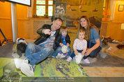 Milka Lila liebt Grün - Tirolergarten - Fr 09.05.2014 - Alex LIST mit Sohn Felix, Martina KAISER mit Tochter Kiana3