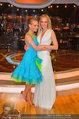 Dancing Stars - ORF Zentrum - Fr 09.05.2014 - Melanie BINDER mit Schwester Mirjam WEICHSELBRAUN10