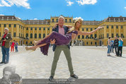 Foto Flashmob - Schloss Schönbrunn - Sa 10.05.2014 - Hans-Georg HEINKE, Yvonne RUEFF14
